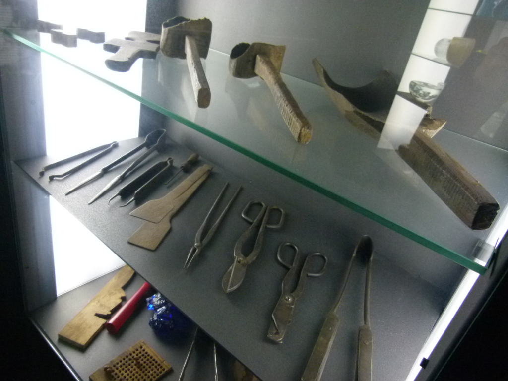 Muzeum sklářství Karolinka - sklářské nástroje