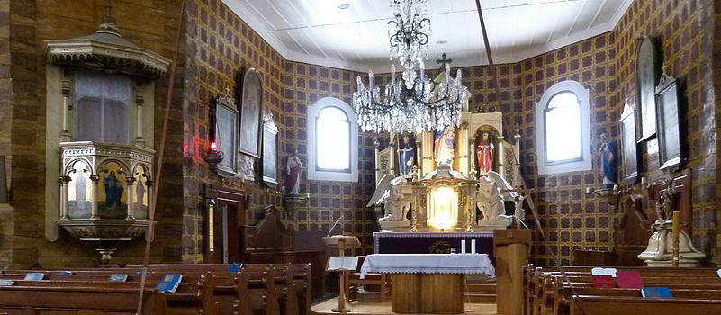 Kostel Panny Marie Sněžné ve Velkých Karlovicích