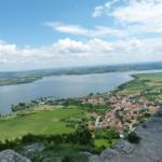 Zřícenina hradu Děvičky, výhled na Pavlov a vodní nádrž Nové Mlýny